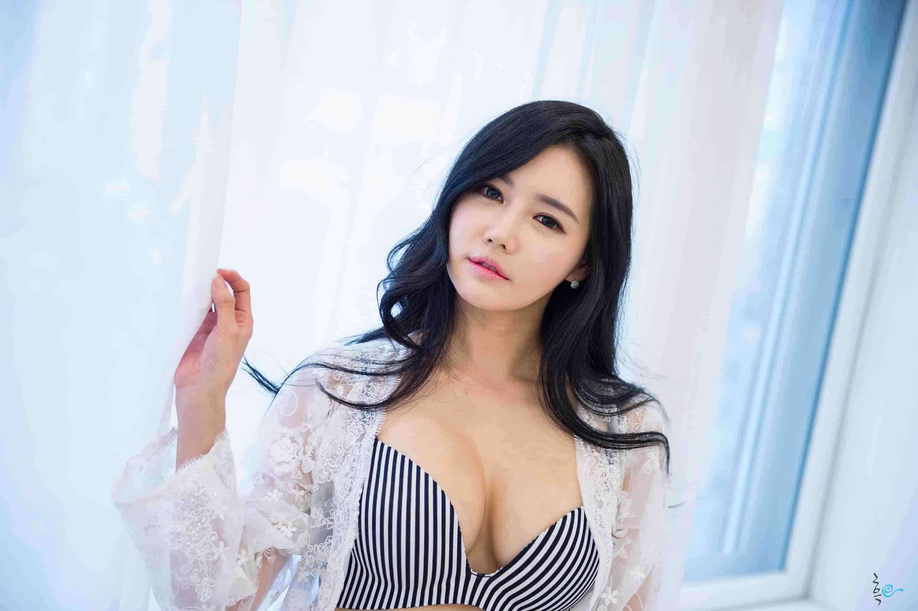 escorts in London sexy asian